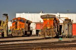BNSF 7261 and BNSF 5811