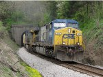 CSX 600 pops out of the tunnels as it leads G938-02 south