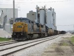 CSX 7370 & 8518 pump up the air on K904 before being ready to depart
