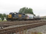 CSX 2670 sits tied down north of Walbridge Rd with 3 cars