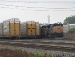 CSX 4831 waits on the point of G738 as the air is pumped up