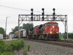 Bound for Bellevue, CN 2322 leads 184 east through CP285