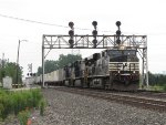 NS 7613 & 7643 bracket the 9912 as they lead 22K east