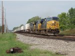 Led by three GE's, Q010-05 makes track speed eastward