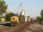 CSX 764 leads Q393 west away from the junction in Deshler