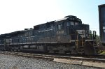 NS C40-9 8886 in dirty thoroughbred paint on 65J
