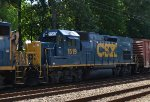 CSX GP15T 1519 trails on Q418-03