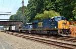 CSX ES44AH 927, HLCX SD40-2 8147 on Q439-17