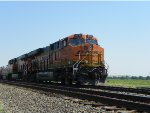 BNSF ES44C4 6732