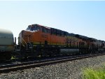 BNSF ES44C4 6633