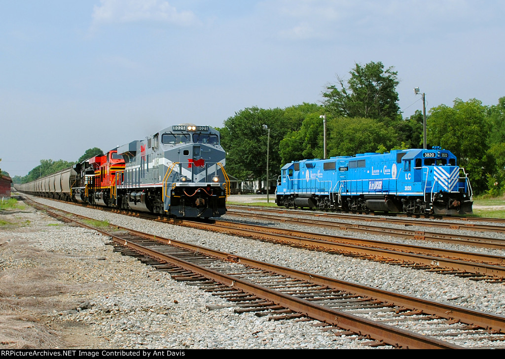NS Heritage Units on NS 50Z passes L&C power at the Interchange.