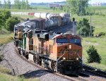 Westbound BNSF Manifest Whips thru the S-Curves