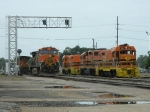 BNSF 4180(C44-9W) BNSF 1032(C44-9W) LDRR 1513(CF7) LDRR 2000(GP38) LDRR 1504(CF7)