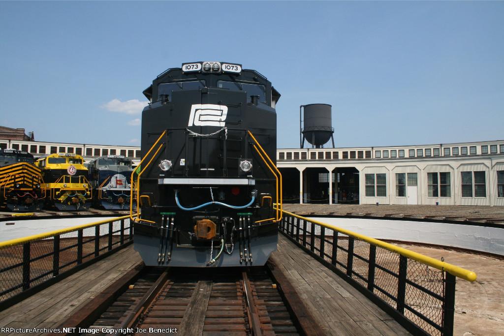 NS 1073 Penn Central