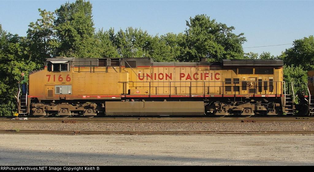 UP 7166