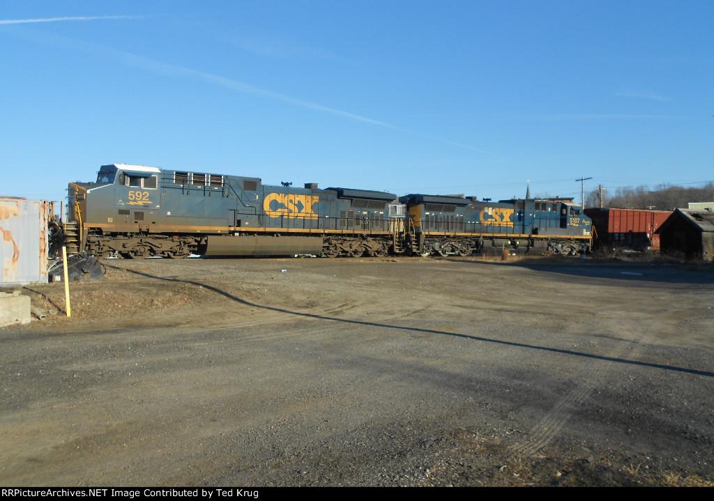 CSX 592 & 5107