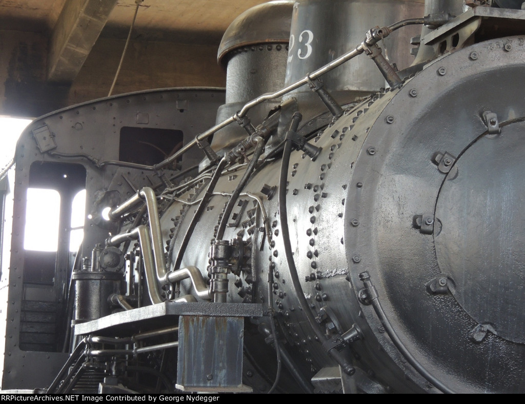 CG 223 (2-8-0) Details of this Steam engine