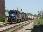 HLCX 8157 leads Q335 west in the last few miles of its journey