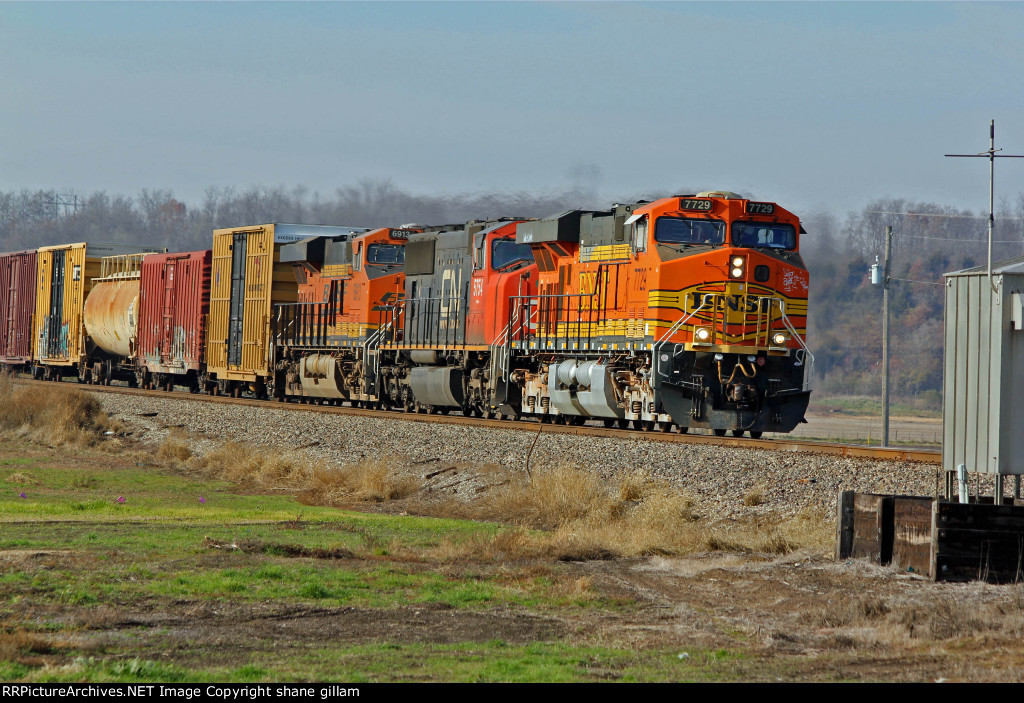 BNSF 7729 Works Eb with a freight train.