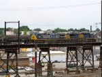 CSX 425 and 7922