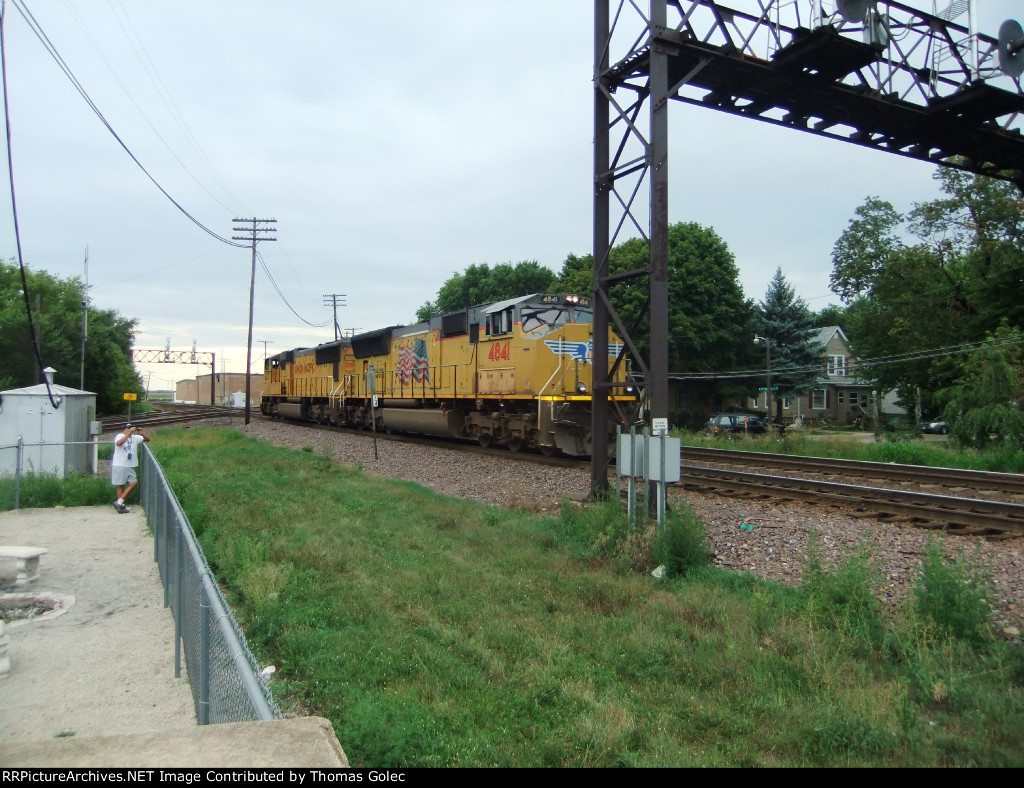 UP 4273 and UP 4841 on westbound light power move