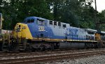 CSX AC44CW 210 trails on Q439-18