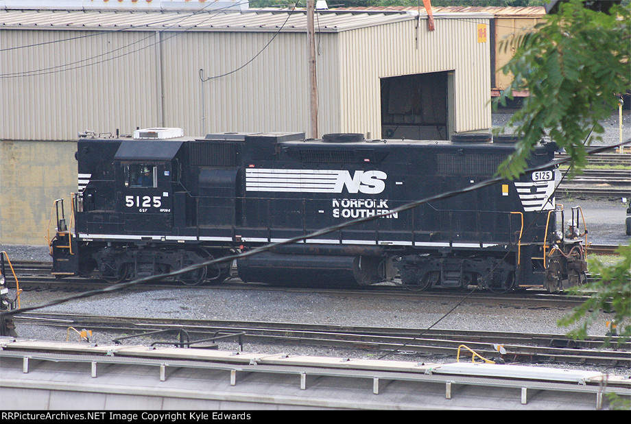 NS GP38-2 #5125