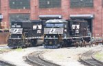 NS SD60E's #6900 and #6912