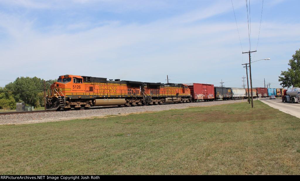 48. BNSF 5126 & BNSF 4799