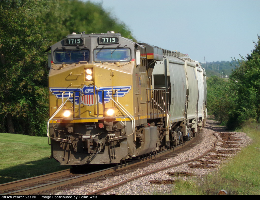 What I think is my best shot at Kingsville, MO yet. UP 7715 rounds the curve by herself on the GMOFGL
