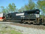 NS 8967 on train I15