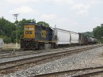 CSX 6108 brings Y106 back into the yard with 8 cars in tow