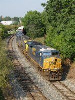 CSX 800 leads Q326-04 around the curve on Track 1