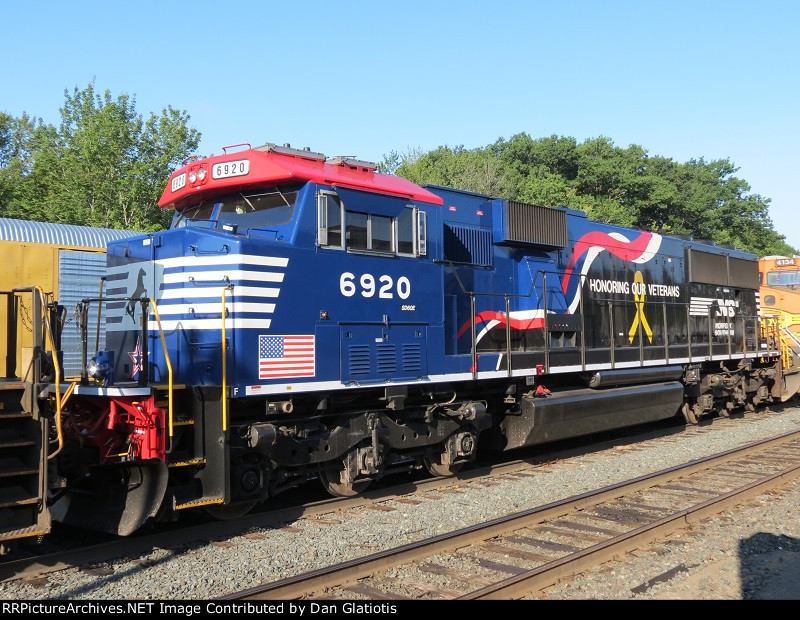 "Roster Shot of NS 6920 ""Honoring our Veterans"" on 28N"