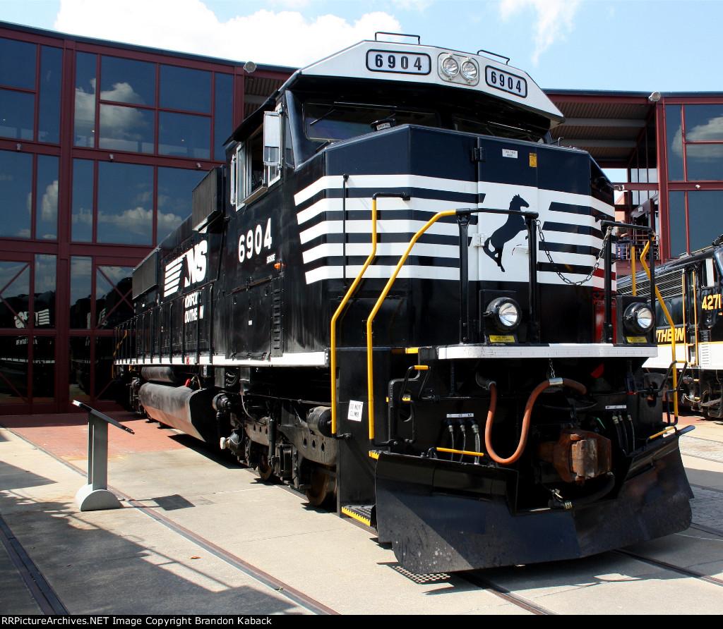 NS 6904