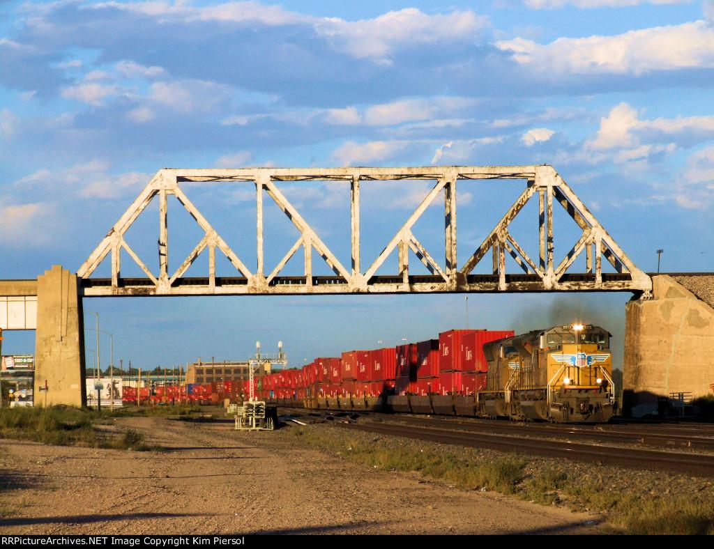UP 8573 WB Doublestack Leaving Cheyenne on the Laramie Sub