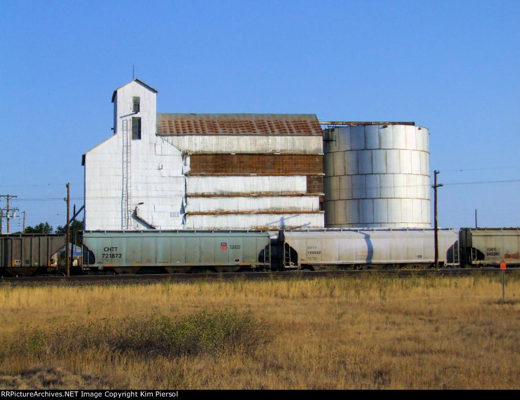 CHTT 721872 Covered Hopper