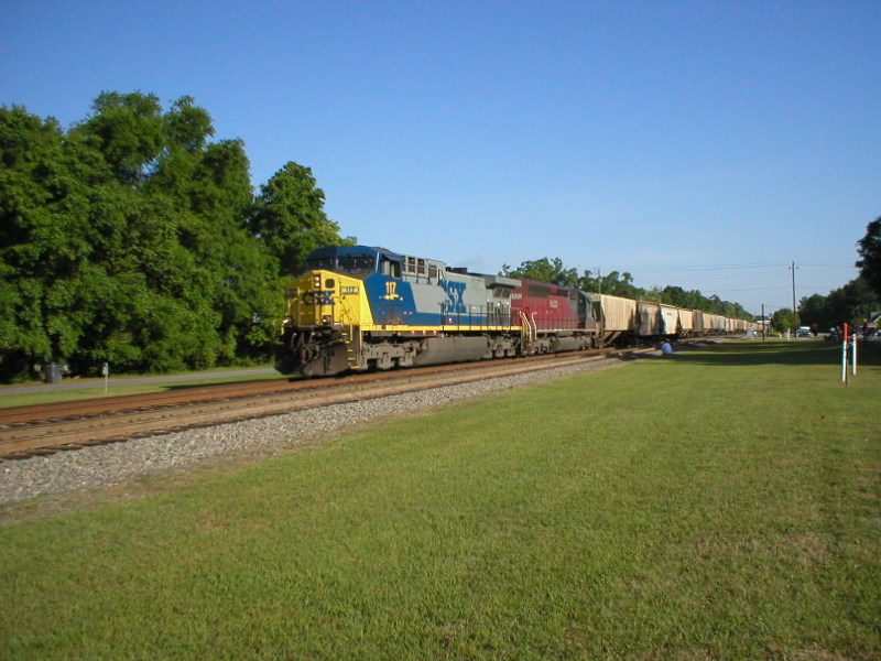 CSX 117 and HLCX 6520