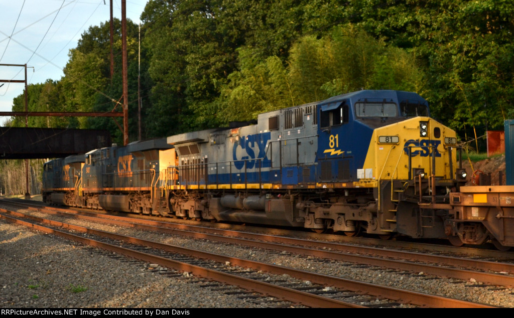CSX AC44CW 81 third out on Q034-06
