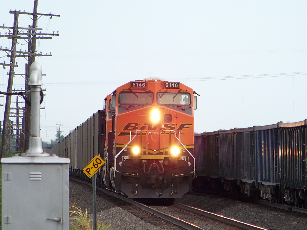 BNSF ES44AC 6146