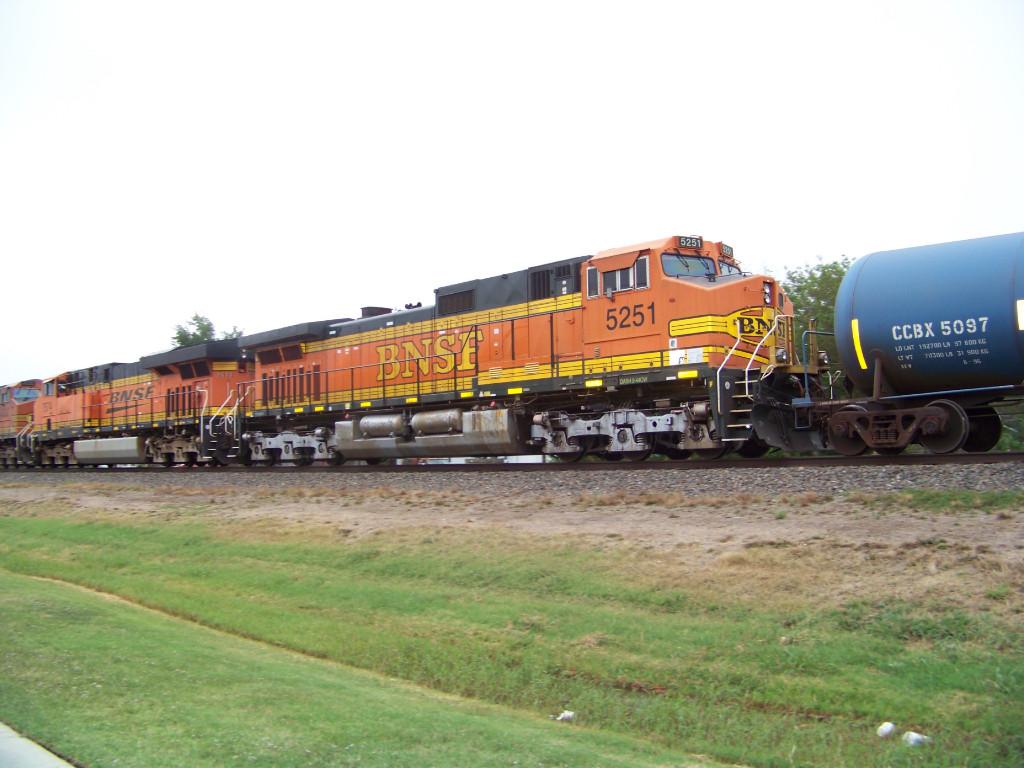 BNSF C44-9W 5251