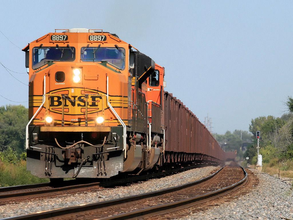 BNSF 8897