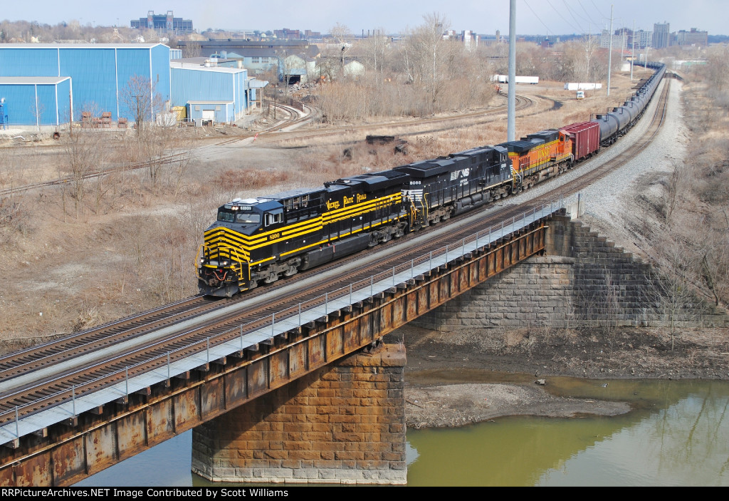 CSX K055 with the NS Nickel Plate Road Heritage Unit