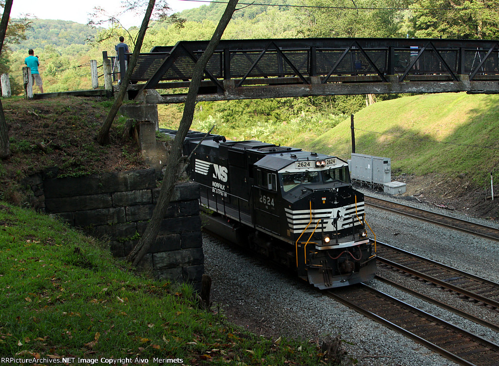 NS 13G at Mile 255 Pittsburgh Line