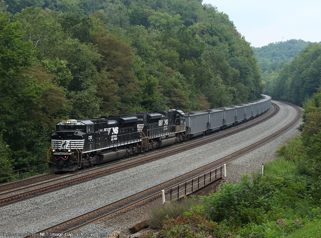 NS 401 at Mile 255 Pittsburgh Line