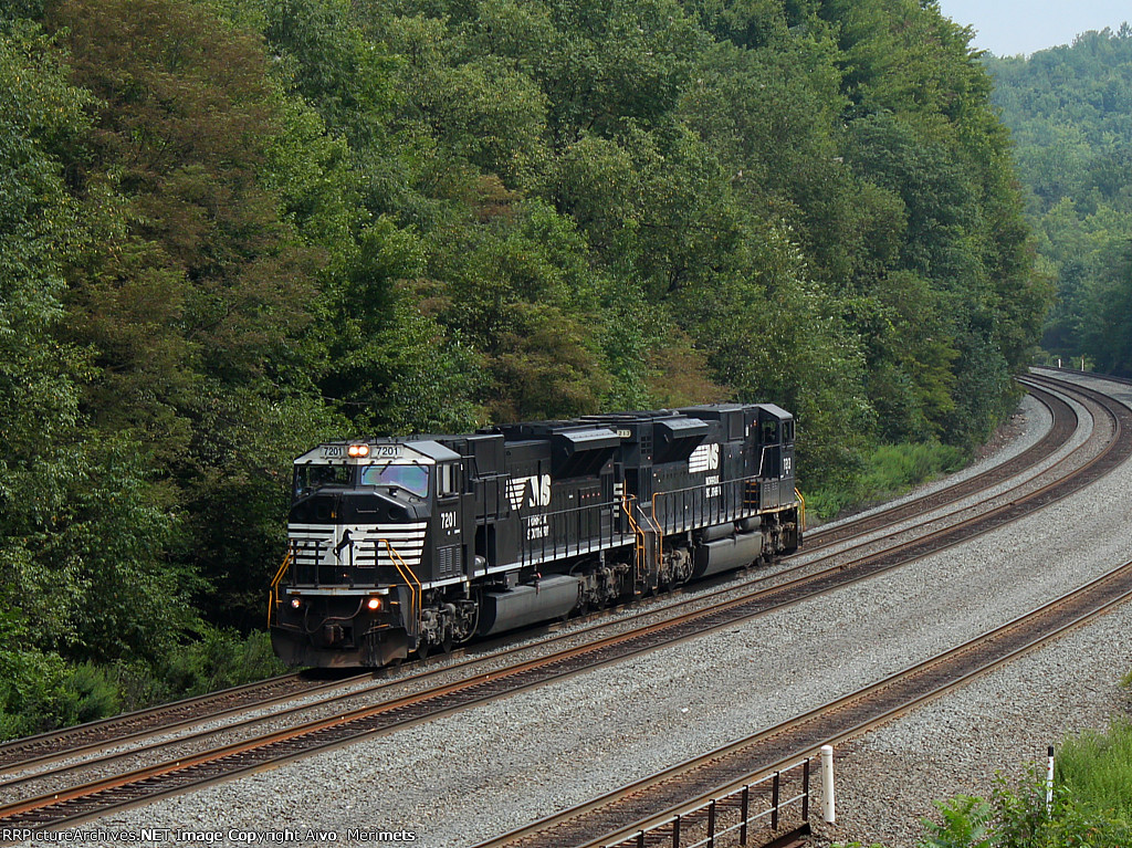 NS C51 at Mile 255 Pittsburgh Line