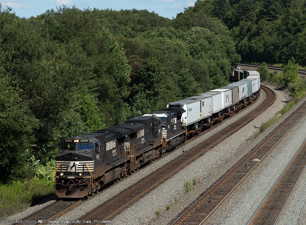 NS 21J at Mile 249 Pittsburgh Line