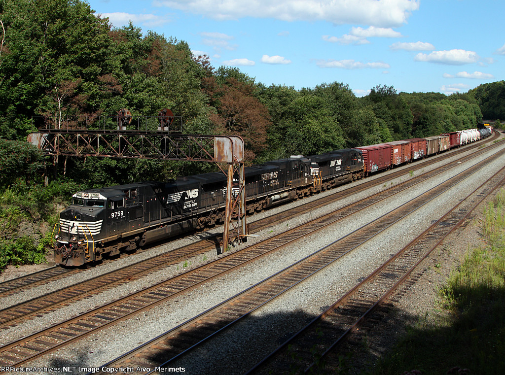NS 13G at Mile 249 Pittsburgh Line