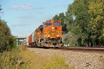 4075 in early fall colors eastbound