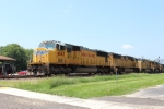 UP 4663 Leads a 6 unit EB